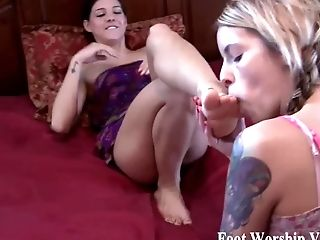BDSM, Beauty, Feet, Femdom, Foot Fetish, HD, Stockings, Worship,