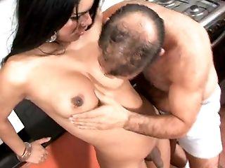 Pipe, Ethnique , Homme Qui Baise Un Transsexuel, Poilu, En Haute Qualité, Latines, Trans ,