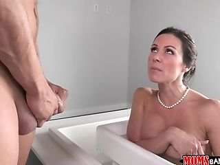 Bathroom, Brunette, HD, Italian, Kendra Lust, MILF, Reality, Stepmom,