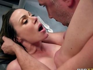 Big Tits, Blowjob, Couple, Cowgirl, Doggystyle, Face Fucking, Fake Tits, Gym, Hardcore, Kendra Lust,